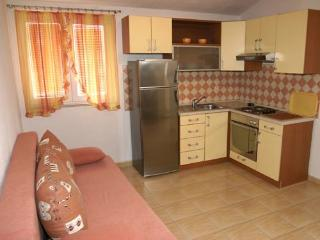Apartments Pero - 36191-A1 - Makarska vacation rentals