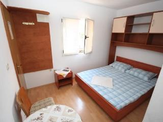 Apartments Stjepan - 38411-A2 - Rudina vacation rentals