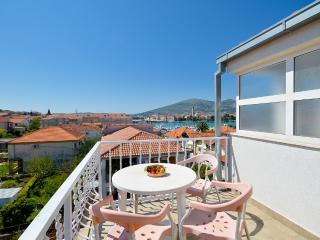 Apartments Joško - 42081-A1 - Gornji Seget vacation rentals