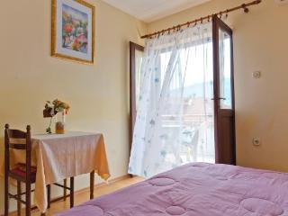 Apartments Igor - 42571-A3 - Stari Grad vacation rentals