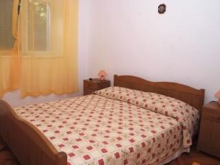 Apartment Petar - 51971-A1 - Ubli vacation rentals