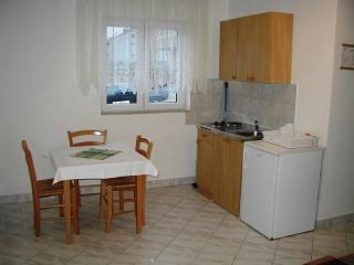 Apartments Vlado - 63061-A1 - Klimno vacation rentals