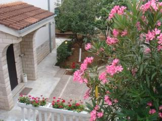 Apartment Arijana - 66631-A1 - Klimno vacation rentals