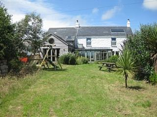CHY ENA FARMHOUSE WITH SEA VIEWS NR PENZANCE - Penzance vacation rentals