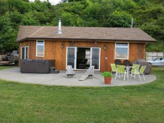 Courtenay, BC Oceanside Retreat at Udina Bay - Vananda vacation rentals