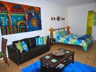 Cosy Lime Cottage at Burnett Heads - Burnett Heads vacation rentals