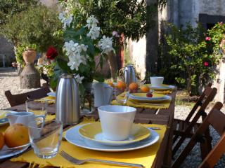 Ancient manor in Sicilian style near the Etna Park - Catania vacation rentals