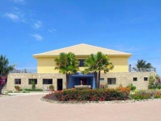 Calmachicha Beach House - Santa Elena Province vacation rentals