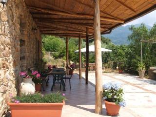 B. & B. La Finestra sul Parco - Campofelice di Roccella vacation rentals