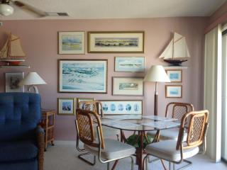 QUEENS COURT top floor/oceanfront  Emerald Isle - Emerald Isle vacation rentals