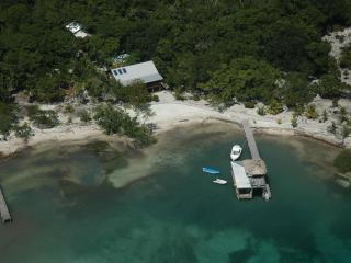 Casa de Playa - Ask us about special packages! - Utila vacation rentals