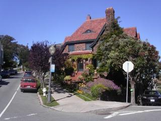 Upper Terrace Cottage ~ RA350 - South San Francisco vacation rentals