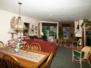 Aspen Creek 2 Bedroom Condo with Atrium Balcony ~ RA460 - Mammoth Lakes vacation rentals