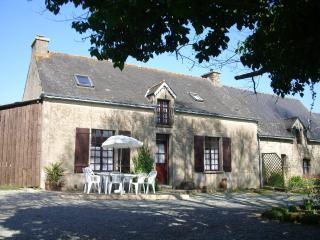 Rural Cottage with Archery facilities in Morbihan - Morbihan vacation rentals