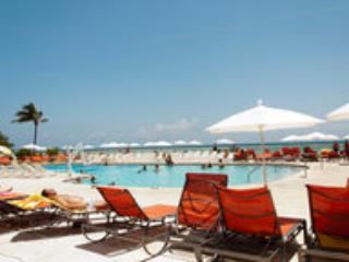 PROPERTY ON THE BEACH!!GREAT STUDIO WITH BALCONY!! - Sunny Isles Beach vacation rentals