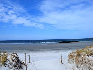 Skippers Sunset House: Vista views & easy walk to Coffins Beach - Gloucester vacation rentals