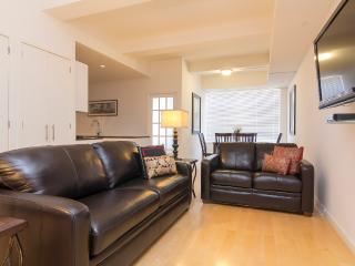 Sleeps 8! 3 Bed/2 Bath Apartment, Times Square, Awesome! (8453) - New York City vacation rentals