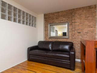Sleeps 5! 2 Bed/1 Bath Apartment, Times Square, Awesome! (8456) - New York City vacation rentals