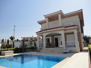 Aquarius Villa with private pool - Side vacation rentals