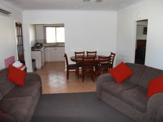APURLA - Pet friendly suite - Perth vacation rentals
