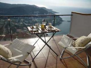 Bijoux apartment with pool stunning sea views ne - Roses vacation rentals