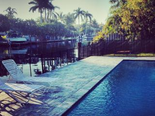 Waterfront, walk to beach,luxury, guest house,pool - Fort Lauderdale vacation rentals