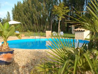 St.Remy-18th century provencal estate/Pool/AC/WIFI - Lambesc vacation rentals