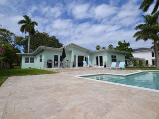 Prime location, walk to beach, new saltwater pool - Fort Lauderdale vacation rentals