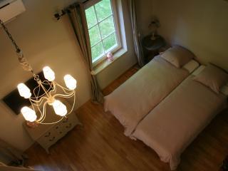 B&B Là Ô sur la Colline - Suite Pomme-de-Pin - 4 Epis - Brabant Wallon vacation rentals
