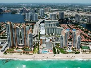 Ocean View 1 Bedroom in  Sunny Isles! Free Parking - Sunny Isles Beach vacation rentals