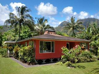 Walk to Tunnels Beach!!   $1575 per week - Haena vacation rentals