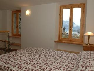 Holiday rental Porlezza - First floor (sleeps 4) - Porlezza vacation rentals