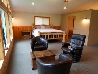 Inviting Cabin Close to Trails & National Forest - Walla Walla vacation rentals