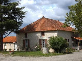 Chambre d' Hotes Maison Pourret - Fongrave vacation rentals