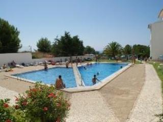 Swimming Pool - ALGARVE -2 Bedroom Apt. Holidays in PORTUGAL - Algarve - rentals