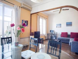 Near to the Sagrada Familia (sleeps up to six) - Barcelona vacation rentals