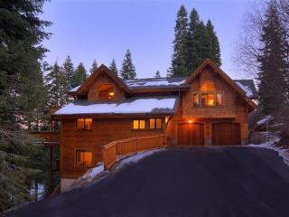 Luxury TreeHouse in Tahoe Donner with Hot Tub and Media Room ~ RA2179 - Truckee vacation rentals