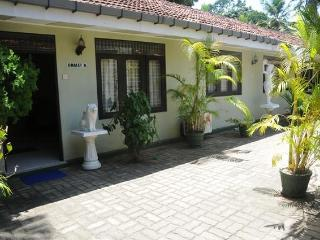 Amaya Chalet B&B -Near Negombo beach/Colombo Airport - Negombo vacation rentals