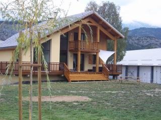 Beautiful villa in the Southern Alps, magnificent panorama and plenty of summer and winter activities - Selonnet vacation rentals