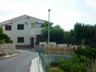 Croatia apartments- ISLAND PAG (ZUBOVICI) - Karlobag vacation rentals