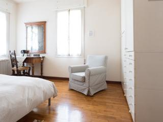 B&B Brandolese (Comfort double room) - Abano Terme vacation rentals