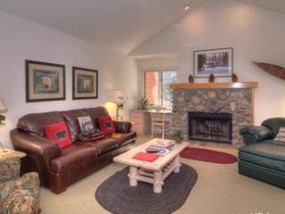 Cozy Condo Sleeps 6 Walking Distance to Incline Beach ~ RA3531 - Incline Village vacation rentals