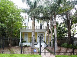 Historic 5-Bedroom Mansion with Period details - New Orleans vacation rentals