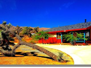 Eclectic Artist Retreat  Hot Tub BBQ HDTV WiFi - Joshua Tree vacation rentals