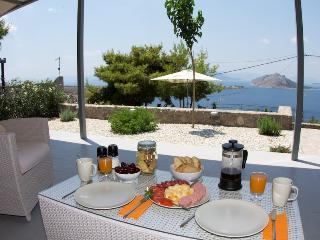 Spiti Aeginitissa - beautiful sea views - Saronic Gulf Islands vacation rentals