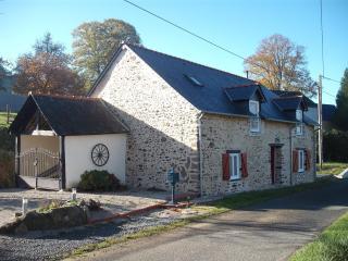 Le Cerisier - Gite Normandy/Mayenne border - Saint-Germain-de-Coulamer vacation rentals