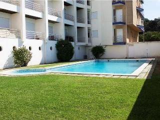 Beach apartment with shared pool, beach 100 meters - Abrantes vacation rentals