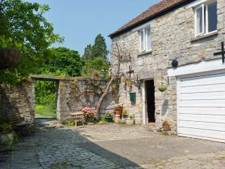 THE LIMES COACH HOUSE, off road parking, great local amenities, fantastic touring base in Curry Rivel, Ref: 18543 - Somerton vacation rentals