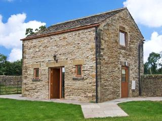 HOLLINS WOOD BOTHY, romantic cottage, rural views, en-suite facilities, in Sheffield, Ref. 25335 - Doncaster vacation rentals
