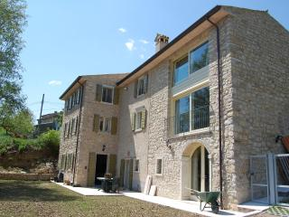 Luxuriously renovated farmhouse above Lake Garda. - Caprino Veronese vacation rentals
